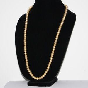 Vintage Cream Pearl silver clasp necklace